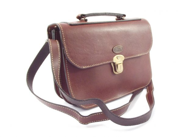 Magret HP7220 -leather crossbody medium messenger handbag by Der Lederhandler
